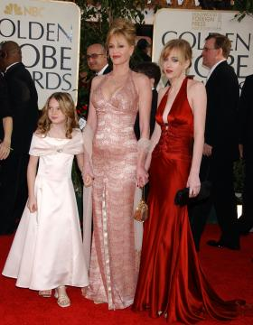 Dakota Johnson, Stella Banderas, Melanie Griffith - Beverly Hills - 16-01-2006 - Gossip: Melanie Griffith non paga, denunciata dallo stilista