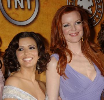 Marcia Cross, Eva Longoria - Los Angeles - 29-01-2006 - Le attrici di Desperate Housewives ottengono un aumento, il telefilm avra' l'ottava stagione