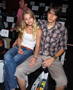 Josh Janowicz, Emilie Deraven - Los Angeles - 28-10-2003 - Finisce il matrimonio della star di Lost Emile De Ravin
