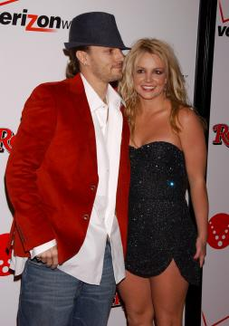 Kevin Federline, Britney Spears - Hollywood - 06-02-2006 - Kevin Federline è felice per il fidanzamento di Britney Spears