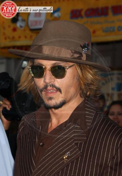 Johnny Depp - Anaheim - 28-06-2003 - L'ultimatum di Vanessa Paradis a Johnny Depp: porta via tutti quei cappelli