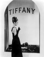colazione da tiffany, Audrey Hepburn - Milano - 25-06-2010 - Piatte o maggiorate: chi vince nell'eterna sfida?