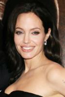 Angelina Jolie - 17-11-2009 - Angelina Jolie innamorata di Brad Pitt non sa parlare d'amore