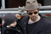 Vivienne Jolie Pitt, Shiloh Jolie Pitt, Knox Leon Jolie Pitt, Angelina Jolie, Brad Pitt - Los Angeles - 29-06-2010 - Brad Pitt, l'FBI indaga per abuso di minori