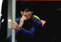 Joachim Loew - Bloemfontein - 27-06-2010 - Star come noi: beccati con le dita nel naso!