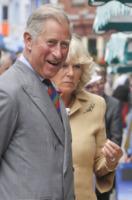 Principe Carlo d'Inghilterra, Camilla - Tenby - 30-06-2010 - No alla satira sul matrimonio del secolo, e la famiglia reale censura un programma tv australiano