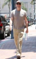 Bruce Willis - Los Angeles - 01-07-2010 - Bruce Willis presentera' il suo profumo