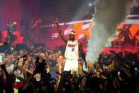 LeBron James - Miami - 09-07-2010 - La mamma del cestista LeBron James arrestata per aggressione a un cameriere