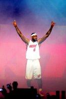 LeBron James - Miami - 09-07-2010 - La mamma del cestita Lebron James avrebbe urlato insulti razzisti a un inserviente haitiano