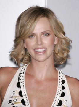 Charlize Theron - Beverly Hills - 13-02-2006 - Charlize Theron sarà Anna Nicole Smith in film sulla sua vita