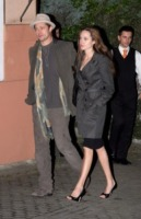 Angelina Jolie, Brad Pitt - Los Angeles - 11-02-2010 - Angelina Jolie e Brad Bitt verranno risarciti dal News of the word