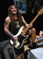 Iron Maiden, Steve Harris - 12-07-2010 - Gli Iron Maiden hanno interrotto il loro concerto di Rio di Janeiro