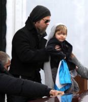 Vivienne Jolie Pitt, Brad Pitt - Venezia - 18-02-2010 - Brad Pitt ha rinunciato a Salt per i figli