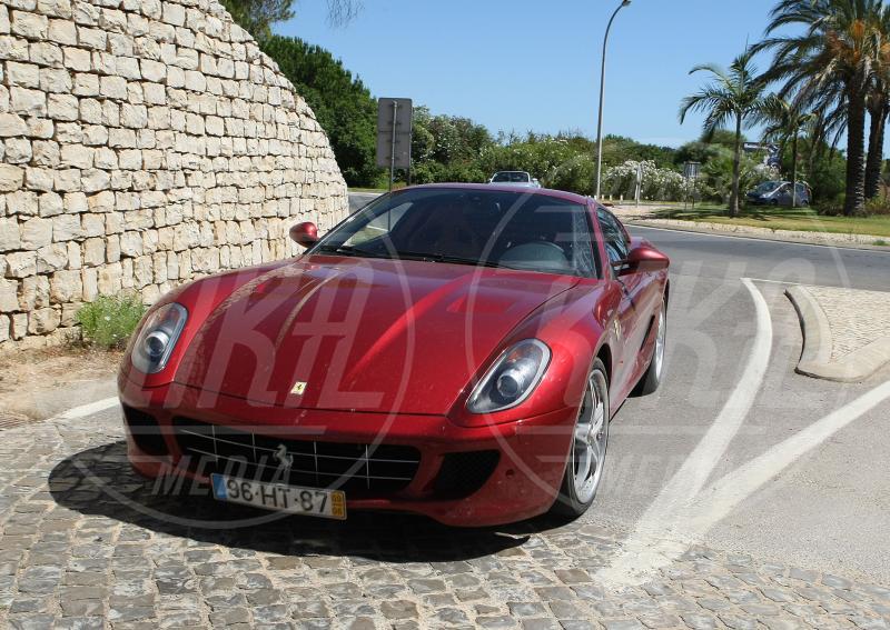 Cristiano Ronaldo - Faro - 15-07-2010 - A Hollywood sono tutti matti per la Ferrari