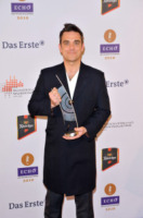 Robbie Williams - Berlino - 04-03-2010 - I Take That di nuovo insieme, e questa volta con Robbie Williams