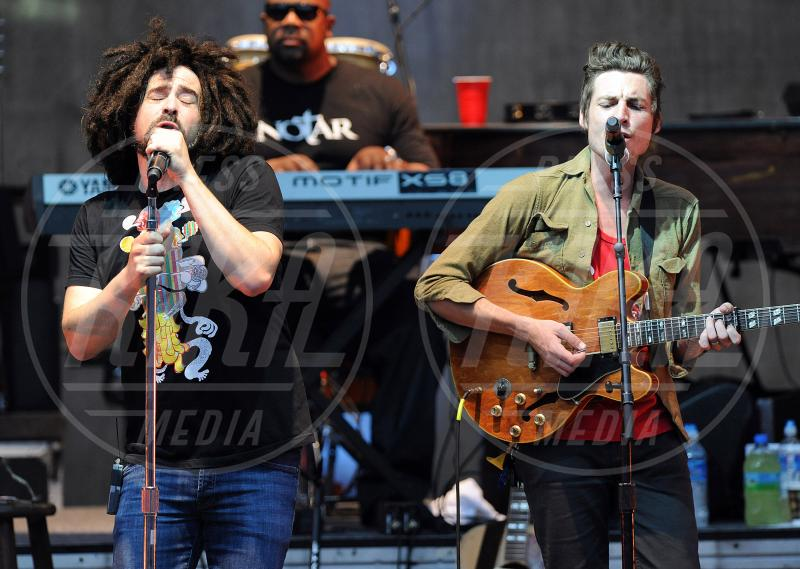 Dan Layus, Counting Crows, Adam Duritz - Cary - 16-07-2010 - Lady Gaga coi dread per un giorno. Più PopArt di così!
