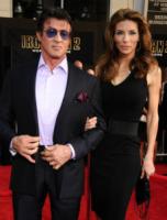 Jennifer Flavin, Sylvester Stallone - Hollywood - 26-04-2010 - Sylvester Stallone ossessionato dalle bande criminali brasiliane