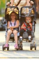 Seraphina Rose Elizabeth Affleck, Violet - New York - 21-07-2010 - Figli delle stelle, non ci fermeremo per niente al mondo