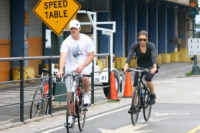 Jessica Biel, Justin Timberlake - New York - 23-07-2010 - Justin Timberlake e Jessica Biel insieme a colazione e in bicicletta a Toronto