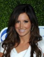 Ashley Tisdale - Beverly Hills - 28-07-2010 - Essere bionda o essere mora? Questo è il dilemma!