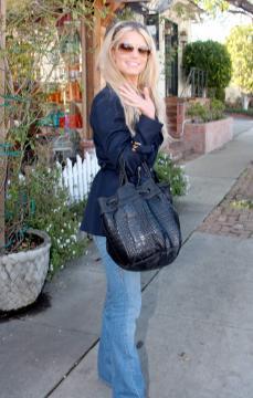 "Jessica Simpson - Hollywood - 19-02-2006 - Jessica Simpson: ""Non ho snobbato Bush"""