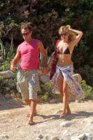 Sienna Miller, Jude Law - Ibiza - 05-08-2010 - Jude Law ci ricasca: quinto figlio in arrivo…dalla ex!