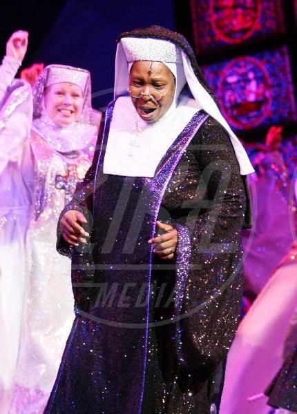 Whoopi Goldberg - Londra - 10-08-2010 - Chiesa e show biz, un rapporto di amore e odio