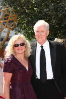 Mary Yeager, John Lithgow - Los Angeles - 21-08-2010 - Creative Arts Emmy Awards: The Pacific fa incetta di premi