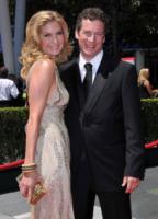 Christopher Soldevilla, Elizabeth Mitchell - Los Angeles - 21-08-2010 - Creative Arts Emmy Awards: The Pacific fa incetta di premi