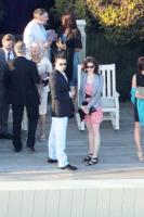 Anne Hathaway - Malibu - 21-08-2010 - Anna Paquin e Stephen Moyer si sono sposati