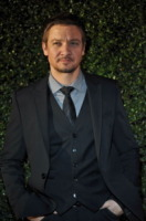 Jeremy Renner - Beverly Hills - 18-03-2010 - Jeremy Renner con Tom Cruise in Mission Impossible 4