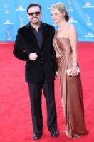 Jane Fallon, Ricky Gervais - Los Angeles - 29-08-2010 - Ricky Gervais continua la battaglia su Twitter contro gli integralisti cristiani