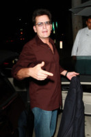 Charlie Sheen - West Hollywood - 07-09-2010 - Charlie Sheen direttamente dall'ospedale alla clinica