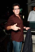Charlie Sheen - West Hollywood - 07-09-2010 - La produzione di Due uomini e mezzo interrotta per i commenti deliranti di Charlie Sheen