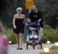 Sean, Kevin Federline, Britney Spears - Hawaii - 02-03-2006 - E' ufficiale! Britney Spears è nuovamente incinta.