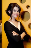 Selena Gomez - Washington - 18-09-2010 - Selena Gomez mette all'asta l'abito di un video per l'Unicef