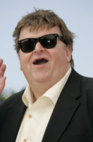 Michael Moore - Cannes - 21-05-2007 - Michael Moore premiato col premio Steinbeck: 'Siamo di fronte a un nuovo Furore'