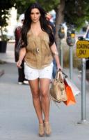 Kim Kardashian - Los Angeles - 27-07-2010 - Kim Kardashian si pente del botox