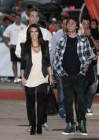 Kim Kardashian - Miami - 27-09-2010 - Kim Kardashian supera i 5 milioni di fan su Twitter