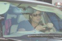 Brad Pitt - Los Angeles - 25-09-2010 - Brad Pitt in balia dei fan per portare la figlia a un compleanno