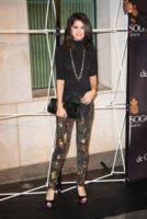Selena Gomez - Londra - 29-09-2010 - Selena Gomez mette all'asta l'abito di un video per l'Unicef