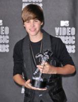 Justin Bieber - Los Angeles - 12-09-2010 - Justin Bieber e' la giovane popstar piu' pagata