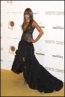 Naomi Campbell - Parigi - 29-09-2010 - Naomi Campbell si e' convertita alla Kabbalah