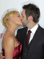 Josh Kelley, Katherine Heigl - New York - 30-09-2010 - Katherine Heigl spiega l'incontro in bikini con la polizia