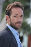 Luke Perry - Cannes - 05-10-2010 - Luke Perry, il commovente incoraggiamento di Sharon Stone