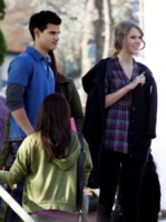 Taylor Swift, Taylor Lautner - Los Angeles - 03-12-2009 - Taylor Swift si scusa con Taylor Lautner in una canzone