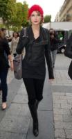 Taylor Swift - Parigi - 30-09-2010 - Taylor Swift si scusa con Taylor Lautner in una canzone