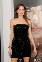 Angelina Jolie - Los Angeles - 19-07-2010 - 'Angelina Jolie e' bella, Jennifer Aniston no'