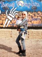 Christina Aguilera - Los Angeles - 12-10-2009 - Christina Aguilera si consola con un nuovo uomo