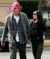 "Demi Moore, Ashton Kutcher - Beverly Hills - 24-10-2010 - Demi Moore e Ashton Kutcher si incontrano con un consulente ma lei sta ""meglio ogni giorno"""